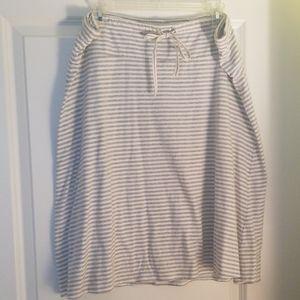 Gap XL gray and white striped cotton skirt